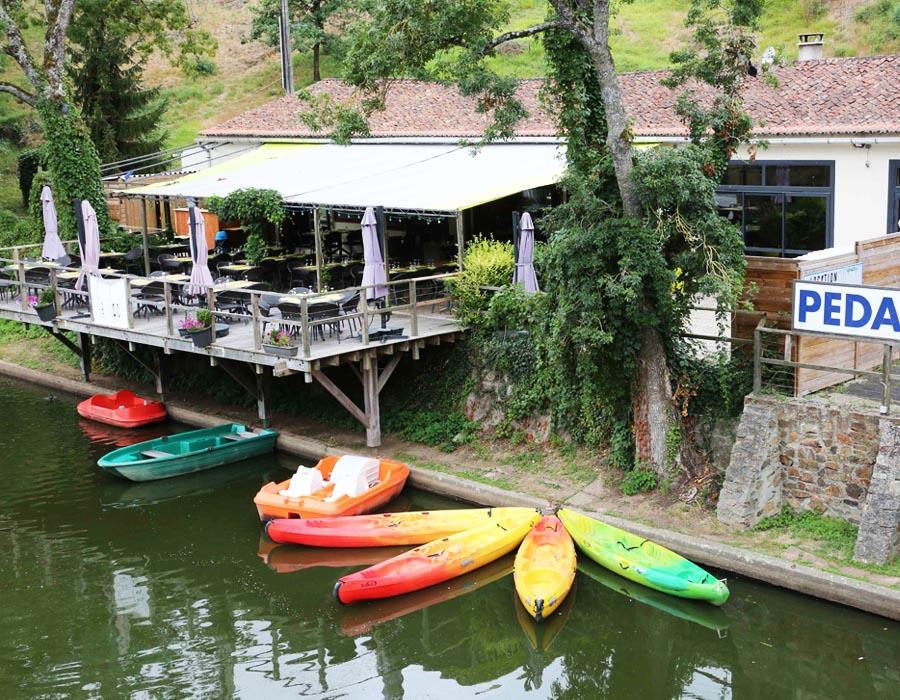 camping-hautibus-pedalos-canoe-kayak