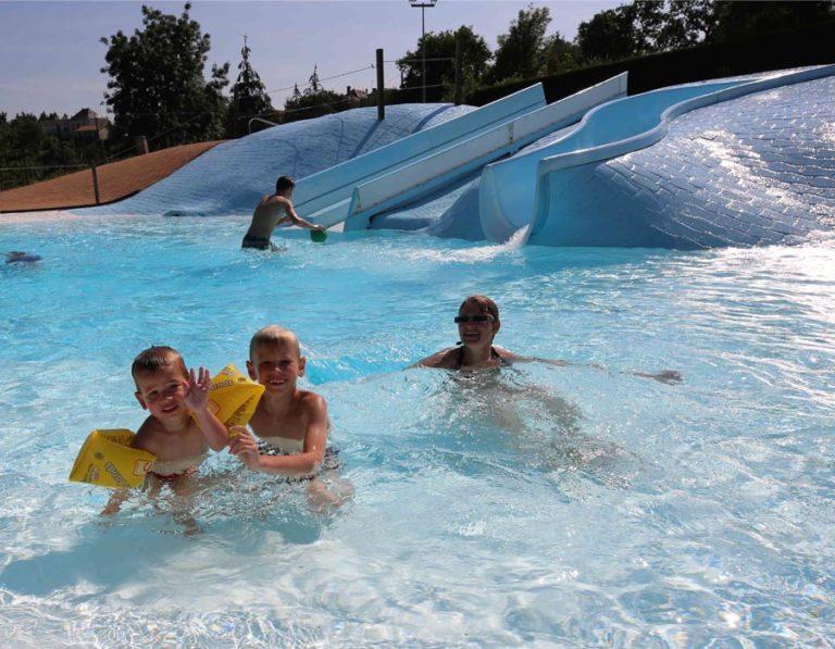 camping-hautibus-piscine-enfants