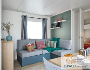 acheter-mobil-home-neuf-2-chambres-lodge-77-salon-espace-camping