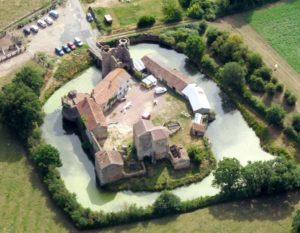 chateau-de-sanzay-deux-sevres-proche-camping-lac-hautibus