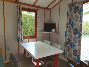 location-chalet-1-chambre-salon-camping-au-lac-hautibus