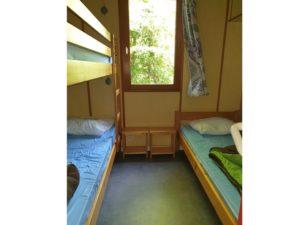 location-chalet-2-chambres-7-personnes-lit-simple-camping-au-lac-hautibus