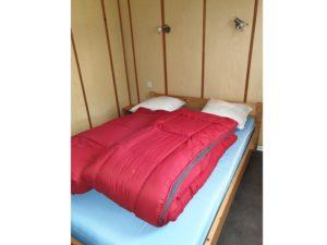 location-chalet-2-chambres-chambre-lit-double-camping-au-lac-hautibus