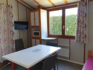 location-chalet-2-chambres-sejour-camping-au-lac-hautibus