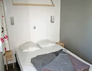 location-mobil-home-2-chambres-4-personnes-chambre-adulte-camping-au-lac-hautibus
