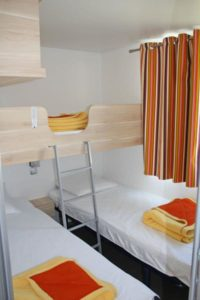 location-mobil-home-2-chambres-5-personnes-chambre-enfant-camping-au-lac-hautibus