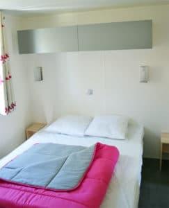 location-mobil-home-3-chambres-8-personnes-chambre-double-camping-au-lac-hautibus