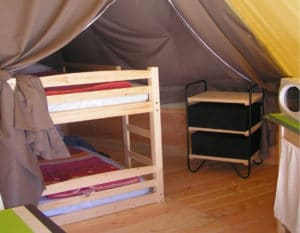 location-tipi-insolite-2-chambres-4-personnes--chambre-enfant-camping-au-lac-hautibus