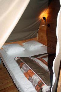 location-tipi-insolite-3-chambres-6-personnes-chambre-camping-au-lac-hautibus