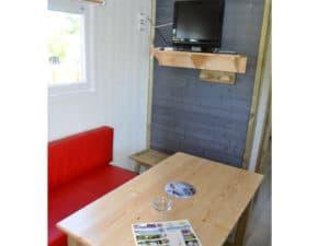 Lodge-6-personnes-avec-climatisation-camping-au-lac-hautibus